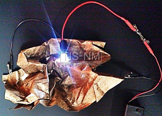 纸质电容器使用金属纳米离子提升能量密度